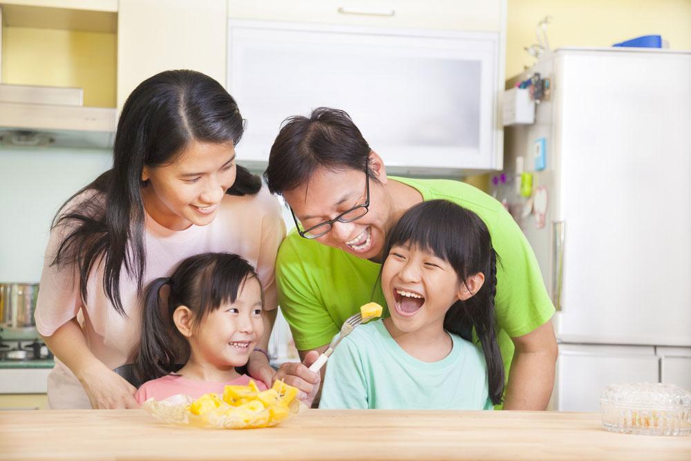 5 Cara Ibu Melindungi Kesehatan Keluarga