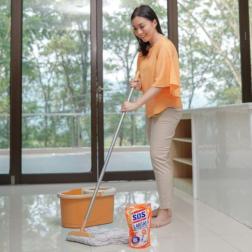 Apakah Cara Membersihkan Lantai Keramikmu Sudah Tepat? Cek Di Sini!