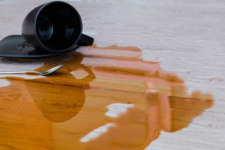 Cara Membersihkan Noda Makanan Pada Lantai Kayu