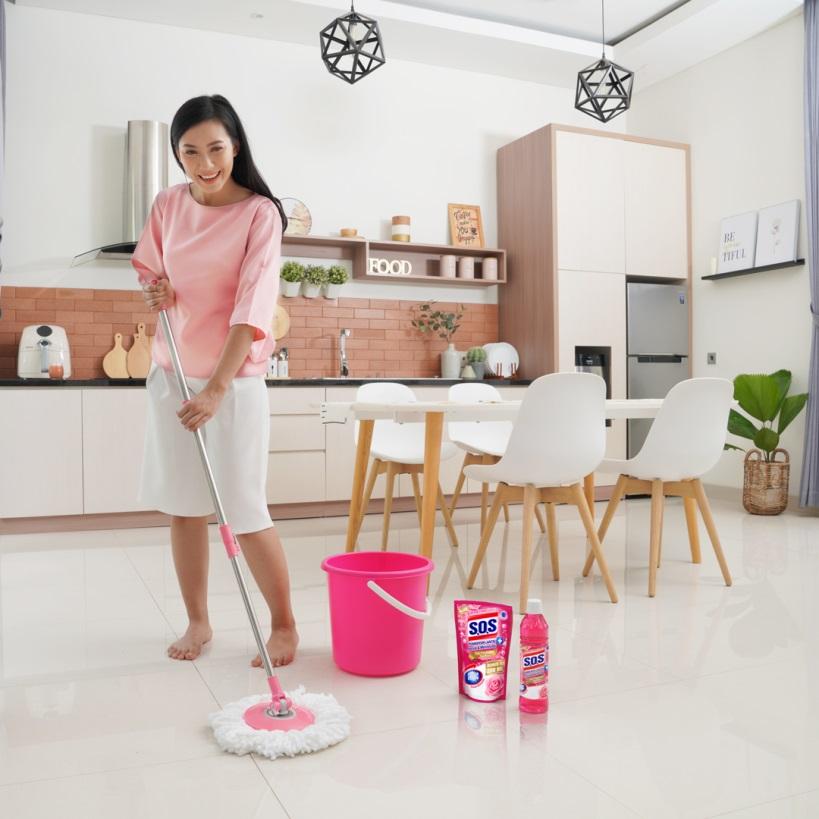 Cara membersihkan Lantai Agar Tidak Berbau Amis