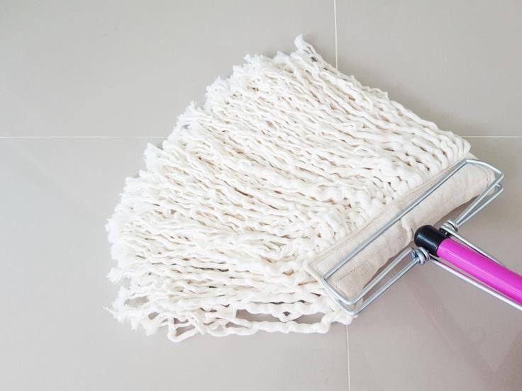 SOS - Cara membersihkan Lantai Agar Tidak Berbau Amis