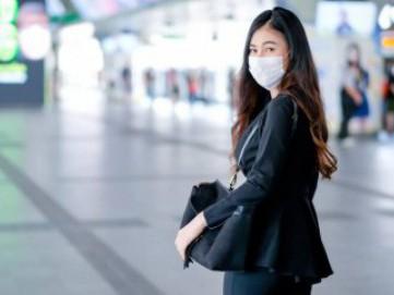 Hand Sanitizer & 4 Barang yang Wajib Ada Dibawa Saat Terpaksa Keluar Rumah di Tengah Pandemi COVID-19