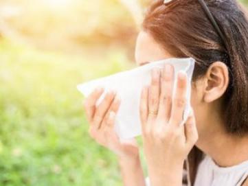 Hal yang Harus Diperhatikan Saat Menggunakan Tisu Basah untuk Membersihkan Wajah Anda