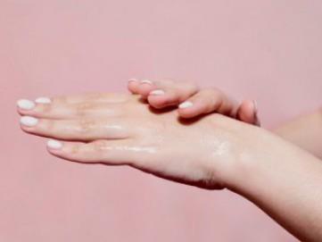 Waspada Kesalahan Umum yang Sering Terjadi Saat Menggunakan Hand Sanitizer